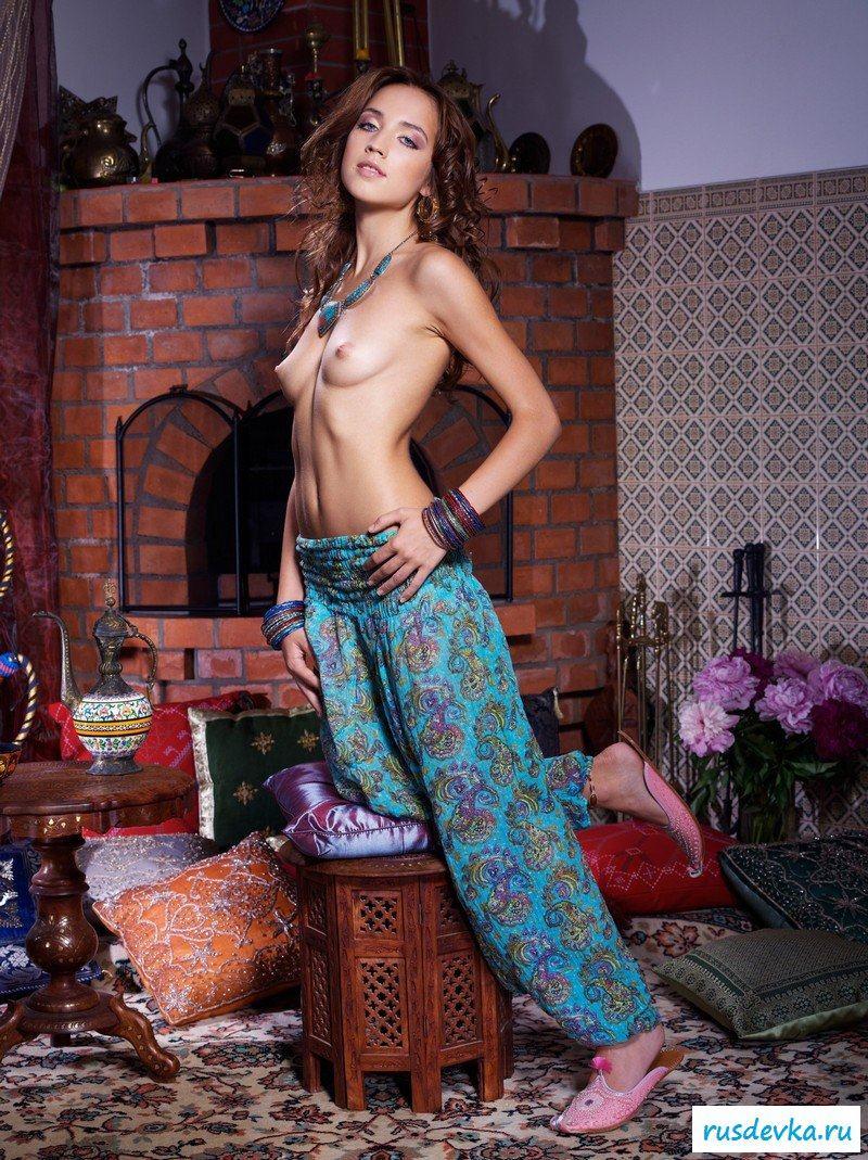 Эротика голые восточные красавицы #11