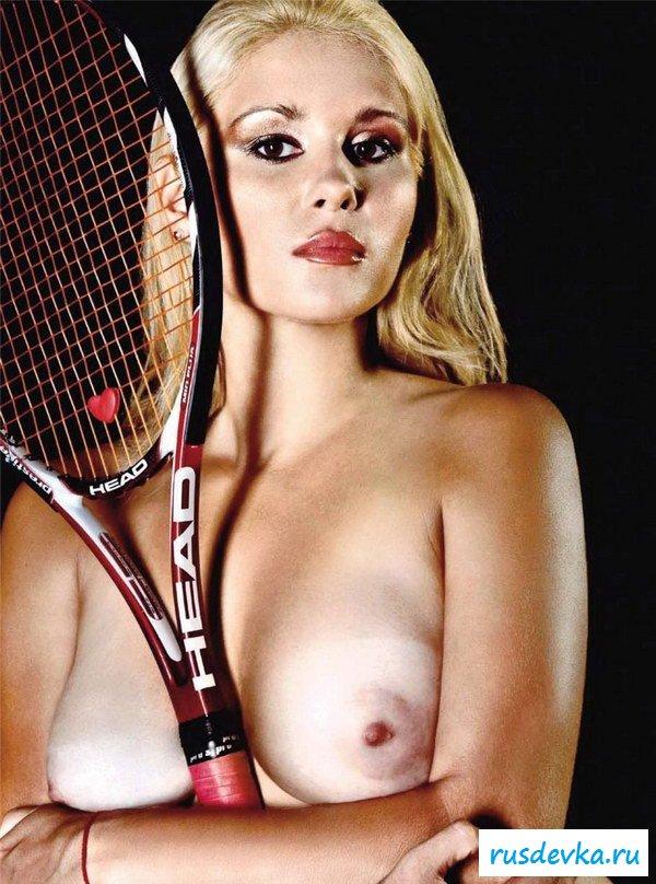 Фильм жена порно с сисястой теннисисткой